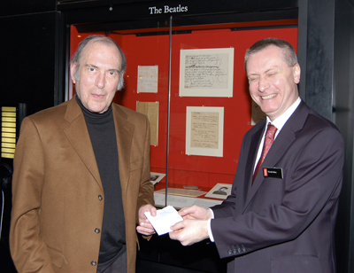 Harold Pinter (left) with Ronald Milne, Director of Scholarships and Collections at the British Library