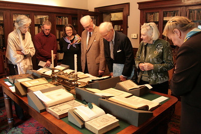 ATBL members view rare books at JCBL.